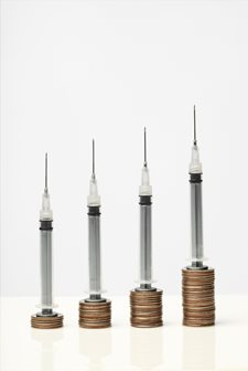 5_Syringe-and-coins-copy - duży